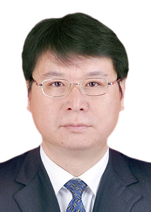 政协副主席、党组成员:刘华龙